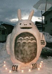 銅賞:バスを待つ「トトロ」 佐藤 肇